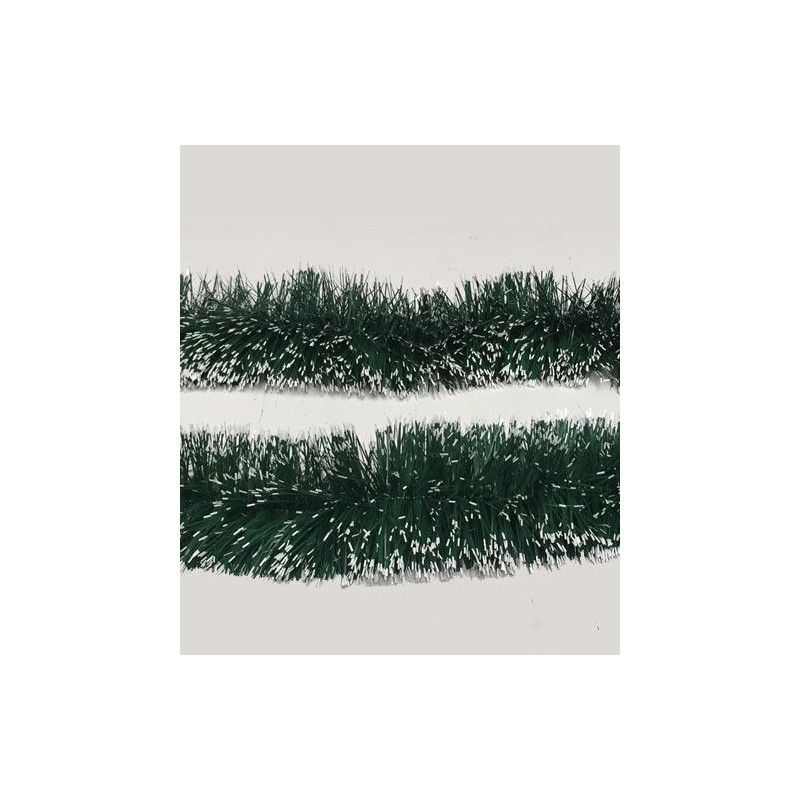 Guirlande verte neigeuse